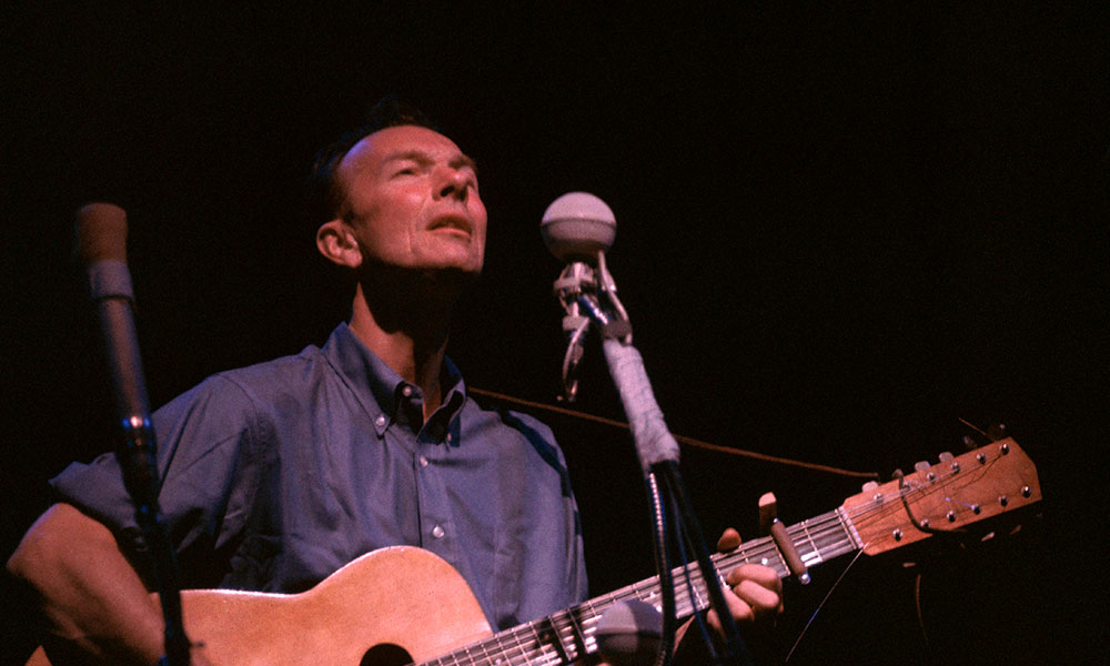 Pete Seeger photo by Gai Terrell and Redferns