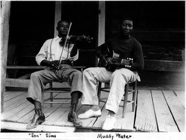 Rollin' And Tumblin' – The Roots of the Blues