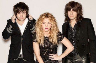 Band Perry Among Winners At CMT's Glittering Night