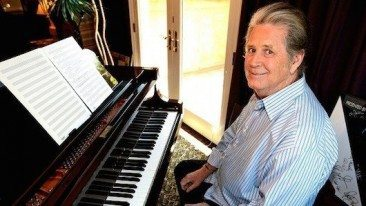 Del Rey, Musgraves Sing With Brian Wilson