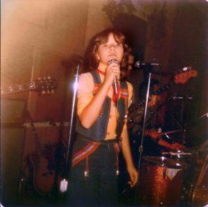 12_sudbury-bar-singing