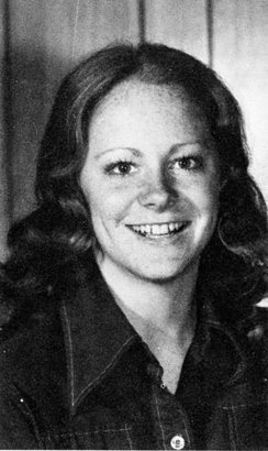 reba-mcentire-yearbook-college-young-1975-photo-GC