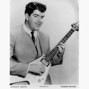 Lonnie-Mack-with-Gibsons-Flying-V-Guitar