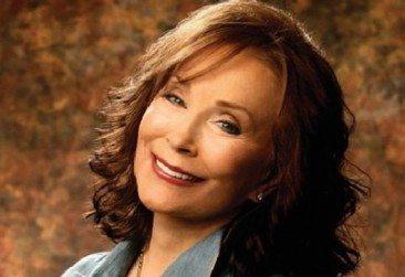 Loretta Lynn Talks Jack White, Patsy Cline