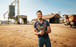 04-06-Cover-Luke-Bryan-Farm-ftr