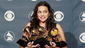 grammy-moments-norah-jones