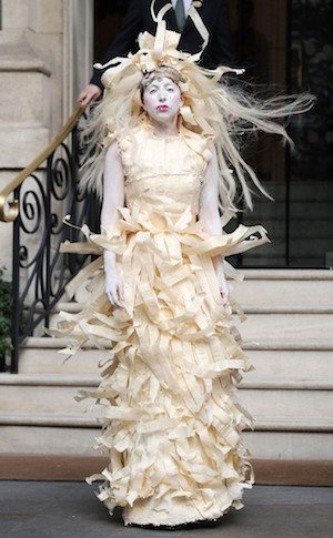 rs_634x1024-131028093721-634-Lady_Gaga-halloween-jc