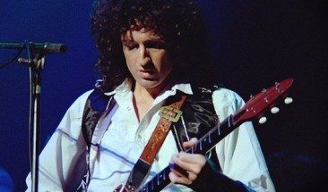 Top Ten Classic Brian May Guitar Solos