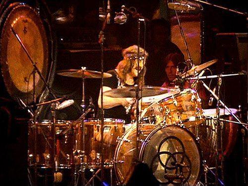John-Bonham-Amber-Vistalite-Ludwig-Drum-Kit-Setup01