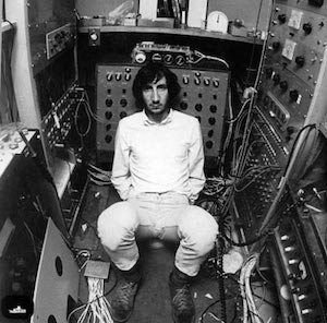 The-Modfather-himself-pete-townshend-25860945-400-394
