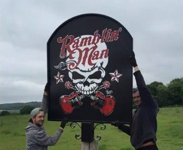 Ramblin' Man Pub Sign Raises The Bar