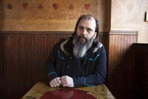 Steve-Earle-compressor