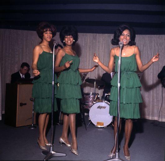 Supremes, live UK, Oct 64