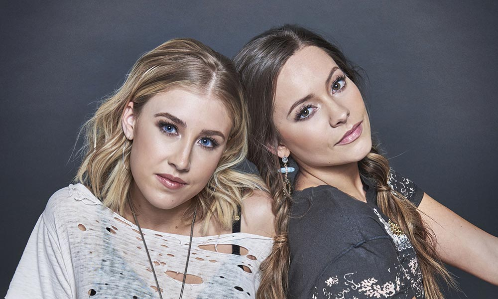 Maddie And Tae 2019 press shot courtesy of UMG Nashville 1000