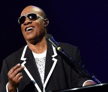 Stevie To Give 'Key Of Life' To London