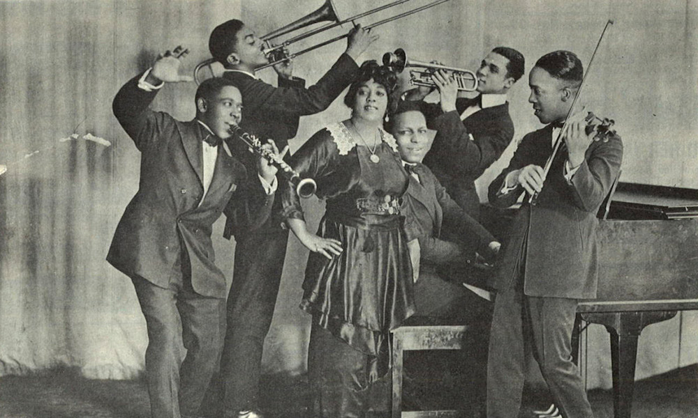 Mamie Smith And Her Jazz Hounds Crazy Blues