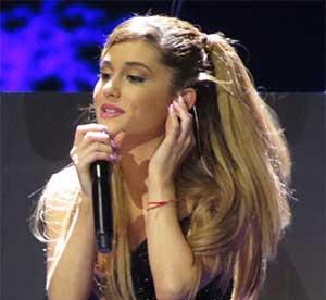Ariana Grande Image 3