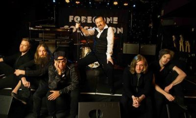 David Brent On Stage With Band Life On The Road - 530