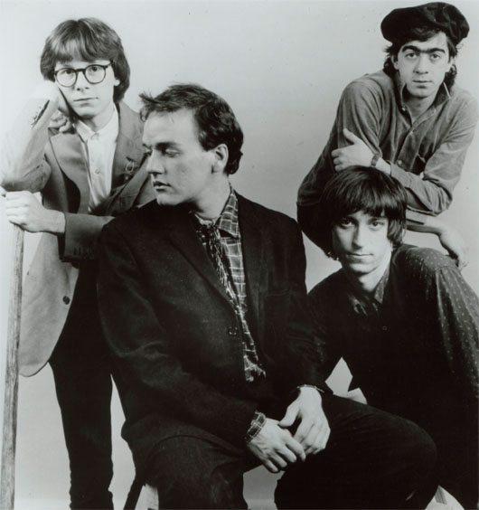 R.E.M. 1985 pre-Pagent Band shot - 530