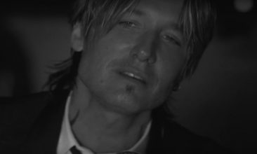 21 & Counting For Keith Urban With 'Blue Ain't Your Colour'