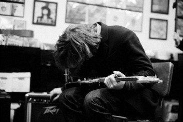 Thurston Moore Releases New Single, 'Cease Fire', Announces UK Tour