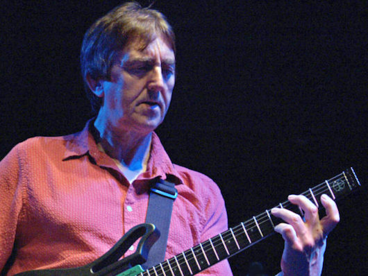 Allan Holdsworth, Groundbreaking Guitarist, Inspiration To Peter Frampton, Joe Satriani Et Al, Dead At 70