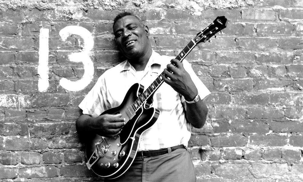 Chicago blues artist Howlin' Wolf