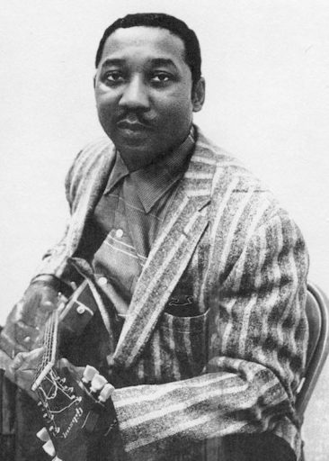 Muddy Waters Makes A 'Long Distance Call'