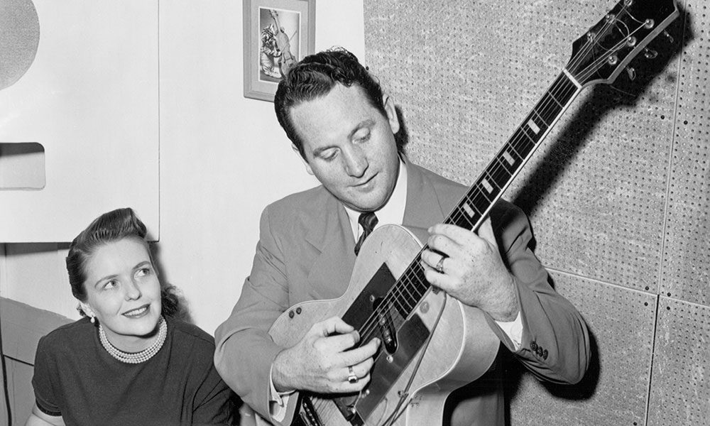 Les Paul photo by Michael Ochs Archives and Getty Images
