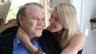 """The 'Adiós' Interviews, Part 2 of 3: """"I'm So Proud Of My Dad"""" Says Daughter Ashley, As Glen Campbell Album Hits UK Top 3"""