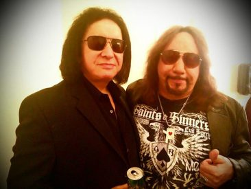 KISS Stars Gene Simmons, Ace Frehley Reunite For Benefit Show