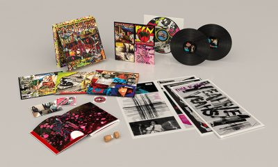 Yeah Yeah Yeahs Fever To Tell 3D Packshot web 730