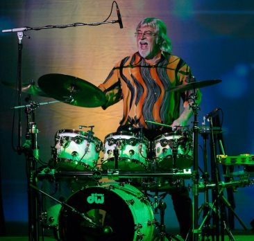 "Graeme Edge Interview, Part 2: Moody Blues ""Keep On Going, And We All Love Playing Live"""