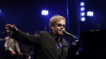 Elton John Confirms He's Working On Soundtrack Of 'The Lion King' Remake