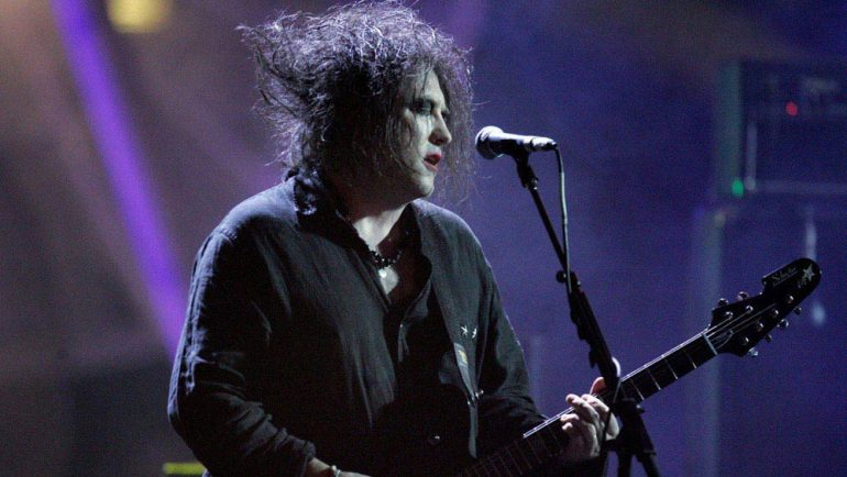 The Cure's Robert Smith to curate Meltdown