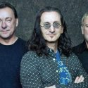"Geddy Lee Says Writing A Book Was ""Good"" For Him Following Rush's Final Tour"