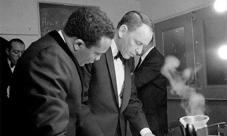 Frank Sinatra Backstage With Quincy Jones - CREDIT - Sinatra Family Collection
