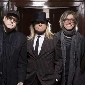 Cheap Trick Single Summer Looks Good
