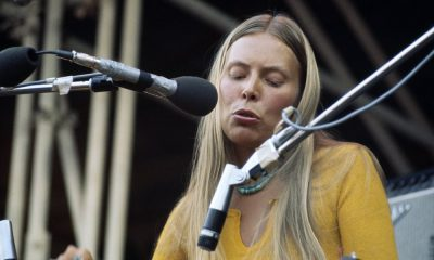 Joni Mitchell approved press photo
