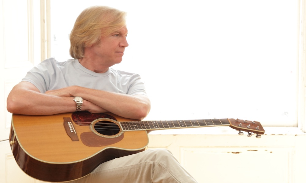 Justin Hayward Continues Solo Tour On The Blue Cruise