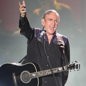 Neil Diamond Hot August Night III - CREDIT Ari Michelson (Greek Theater Los Angeles, 11 August 2012)