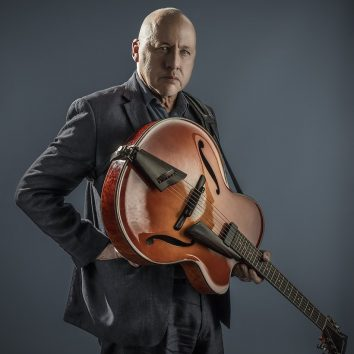 Mark Knopfler press photo 2018