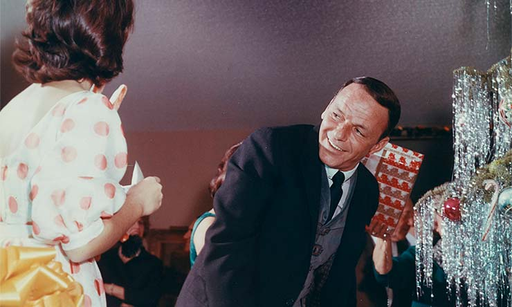 Frank Sinatra family Christmas color CREDIT Frank Sinatra Enterprises web optimised 740