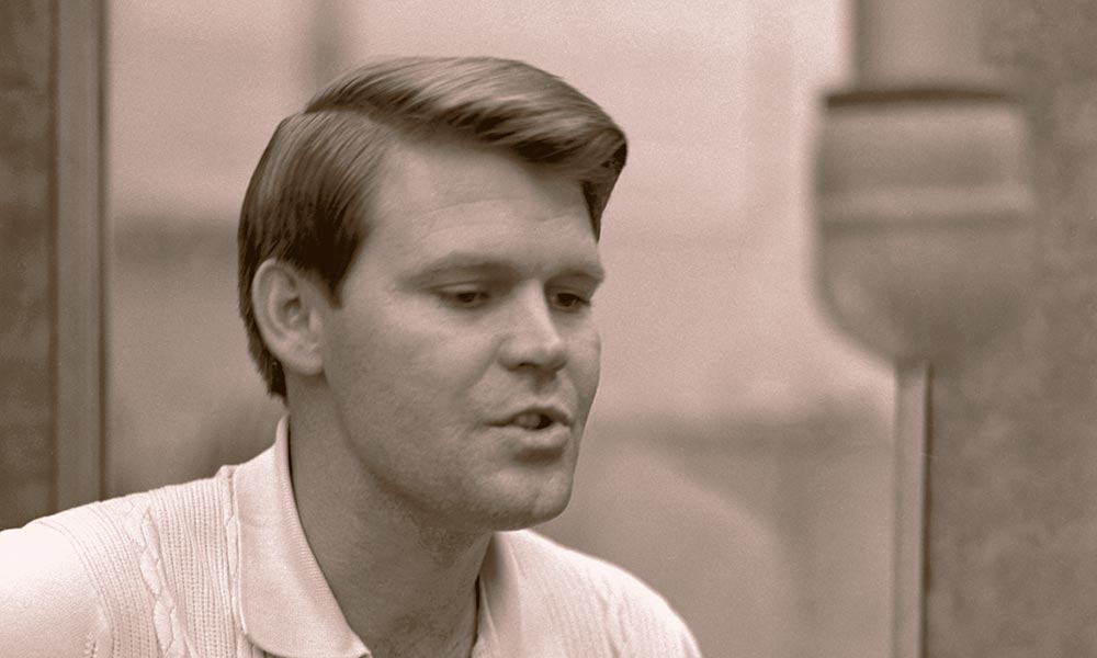 """He Could Do Anything"": Glen Campbell Remembered By His Closest Friends"