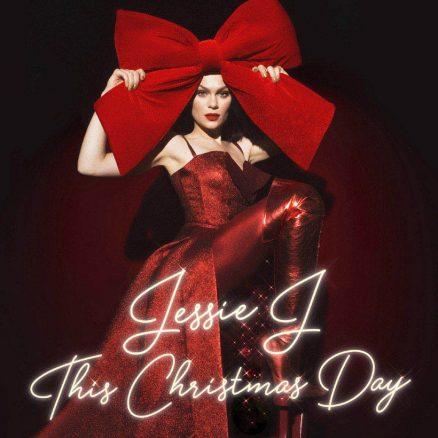 Jessie J Santa Claus Comin Town