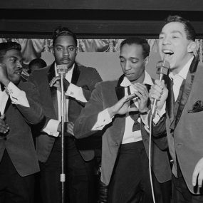 Smokey Robinson And The Miracles web optimised 02 1000