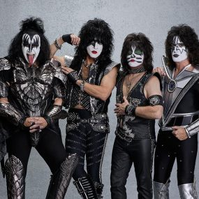 KISS Live Show Great White Sharks