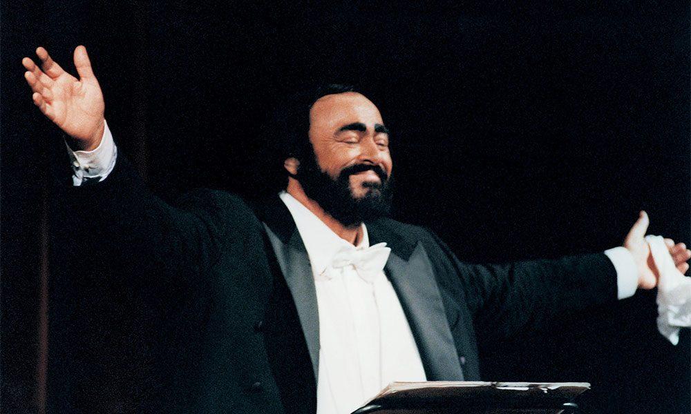 Pavarotti live photo