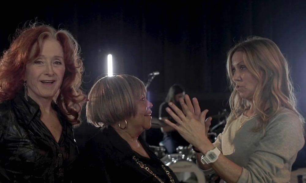 Sheryl Crow, Bonnie Raitt And Mavis Staples Combine On 'Live Wire'