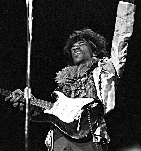 Jimi-Hendrix-Monterey-Pop-Festival---GettyImages-73993139